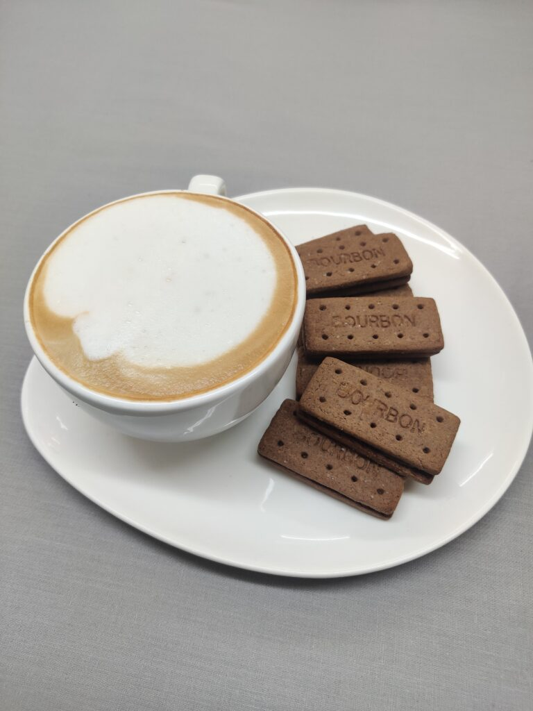 Cappuccino Cup & Triangular Snack Plate